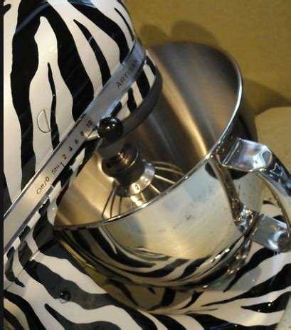 Kandeeland: LOOK AT THIS! It's a hot rod for your kitchen!