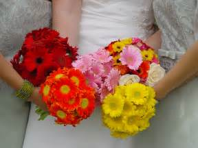bridesmaids bouquets file bridal and bridesmaids bouquets jpg