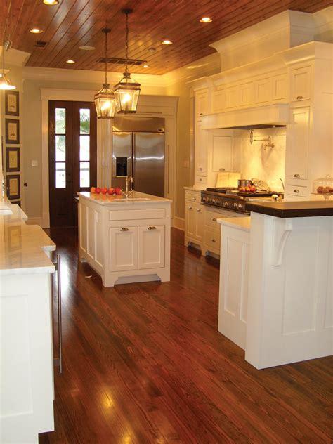 burkitt raised luxury home plan   house plans