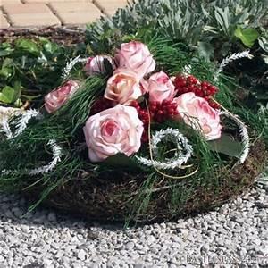 Floristik Gestecke Selber Machen : grabgesteck mit gro en rosen zum bemalen floristik basteln ~ Watch28wear.com Haus und Dekorationen