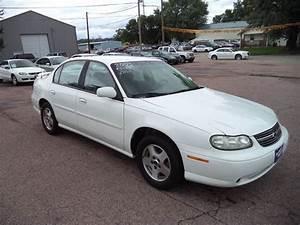 2003 White Chevrolet Malibu