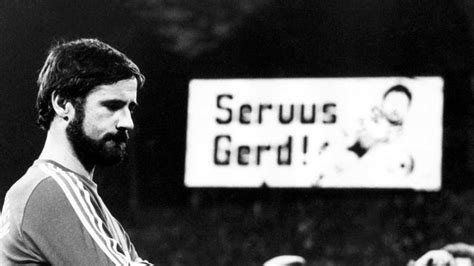 """Gerd müller was the greatest striker there's ever been, and a fine person and character of world football, hainer said in a statement posted on the club's website. Soccer: FC Bayern pays tribute to """"Bomber"""" Gerd Müller on his 75th birthday - Teller Report"""
