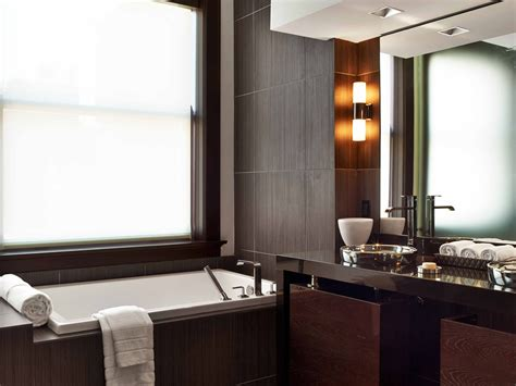 Deluxe Suite Bathroom At The Joule