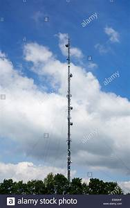 Frequence Radio Autoroute : a tall radio and telecoms transmitter mast at membury services on the stock photo 72355851 alamy ~ Medecine-chirurgie-esthetiques.com Avis de Voitures