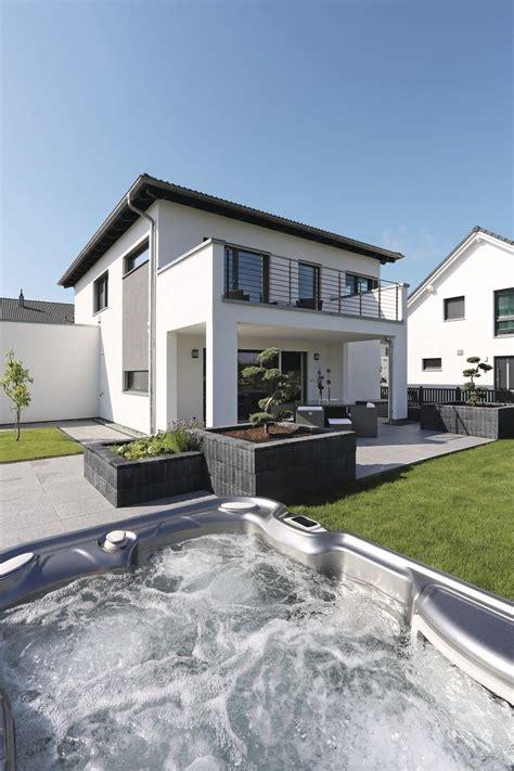 Moderne Häuser Aussenanlage by Moderne Stadtvilla Mit Weberhaus City