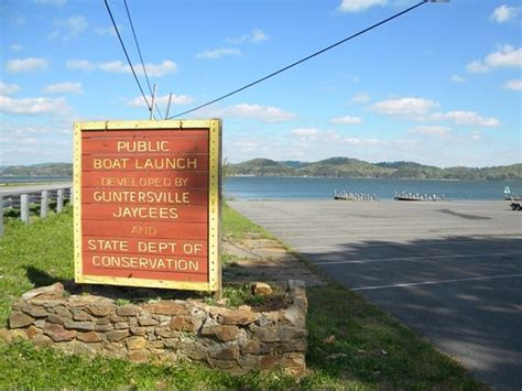 Boat Parts Guntersville Al by One Of The Many Boat Rs Around Guntersville Located At