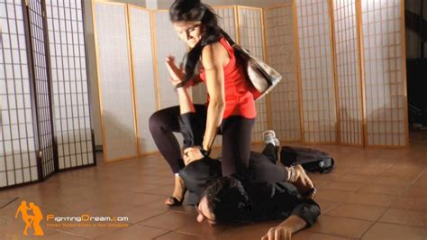 FightingDream.com | Nataly casual high heels selfdefense