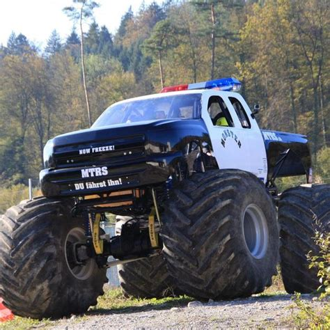 videos de monster trucks us monster truck selber fahren