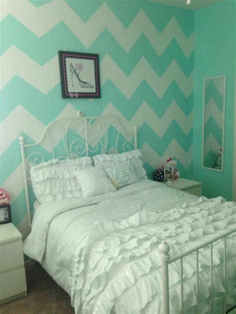 chevron bedroom decor 25 great ideas about chevron bedroom walls on