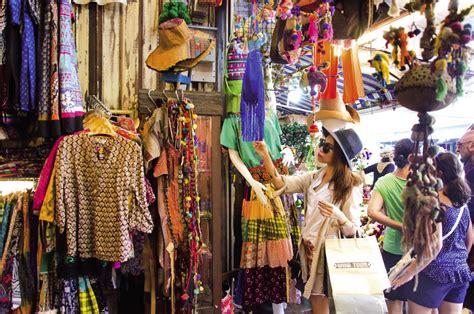 pasar tempat wisata belanja murah  bangkok thailand