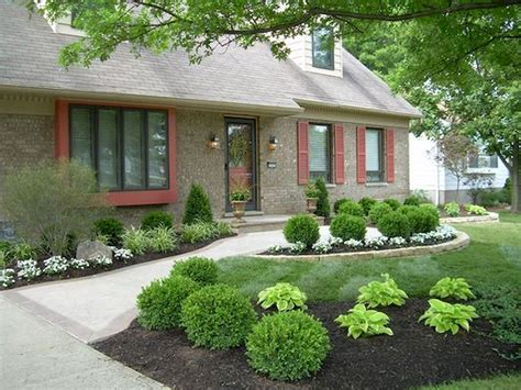 easy front yard landscaping ideas simple front yard landscaping pictures