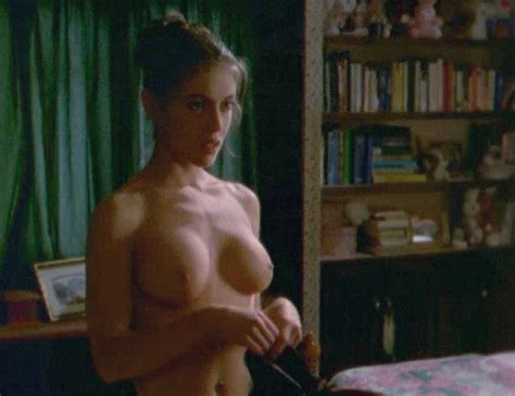 Jenniferlovehewittgifgif In Gallery Celebrity Gifs Picture Uploaded By Ipatch On