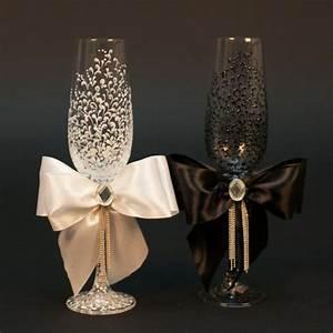 Sektgläser Schwarz Weiß : wedding glasses personalized champagne glasses black white wedding glasses lace toast glasses ~ Watch28wear.com Haus und Dekorationen