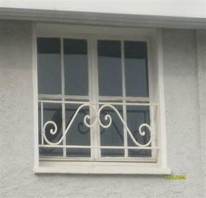 Gitter Für Fenster : fenster mit gitter w rmed mmung der w nde malerei ~ Frokenaadalensverden.com Haus und Dekorationen