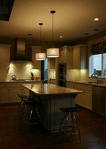 Kitchen island pendant lighting design : Kitchen island lighting system with pendant and chandelier