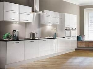 Colori pareti cucina come sceglierli casa fai da te for Colori per cucina