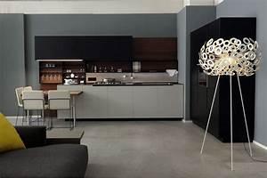 Phoenix Kitchen (Expo Offer) - Poliform Tomassini