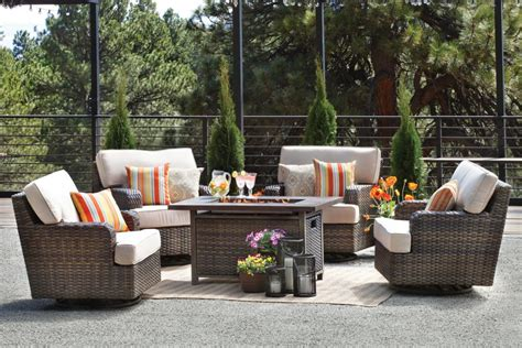 Front Patio Furniture by Outdoor Furniture A Contemporary Patio Set Front Door