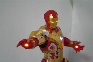 [Papercraft] Iron Man Mark 42 [Full LEDs]: Modeled by ...