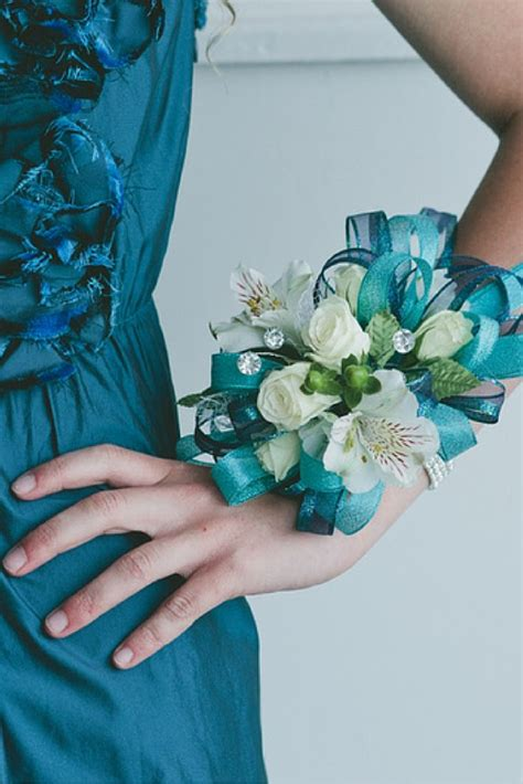prom dress   gorgeous matching corsage