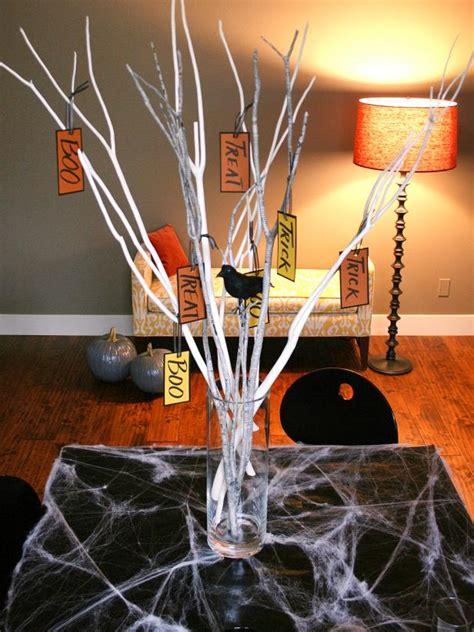 quick  easy halloween branch centerpiece hgtv