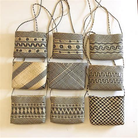 jual tas selempang rotan motif dayak slingbag rotan tas