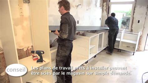 equerre plan de travail cuisine installer une cuisine et un plan de travail vidéo