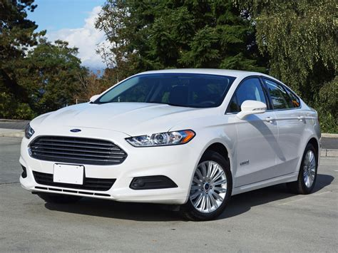 2014 Ford Fusion Hybrid Se Road Test Review