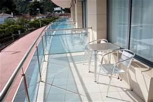 balkon abdichten ohne fliesen abzureissen so machen sie39s With französischer balkon mit sonnenschirm reinigen und imprägnieren