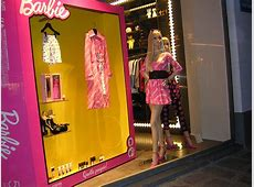 Fashion Windows is a great place to learn more about