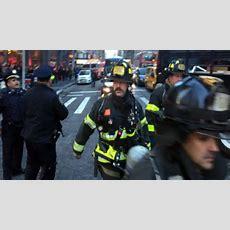 Explozie Puternică întro Stație De Autobuz Din New York