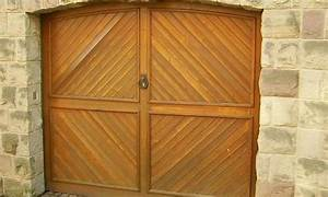 Garage Aus Holz : garagentor aus holz ~ Frokenaadalensverden.com Haus und Dekorationen