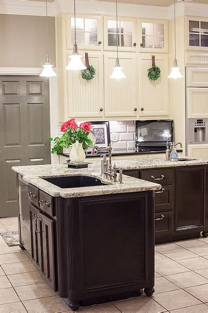 colors for kitchens 2359 best kitchen for small spaces images on 6828