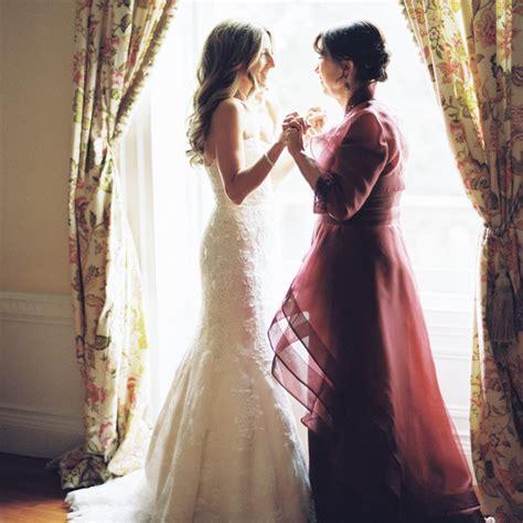 sweet mother daughter wedding moments  melt