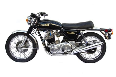 Norton Commando 750