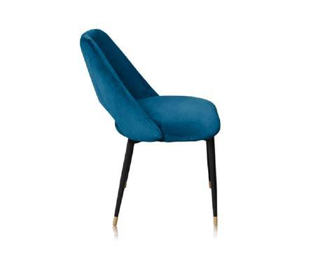 a la chaise la chaise healey une chaise en velours dans le style des