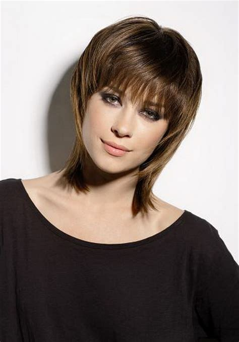 coupe degradee cheveux mi longs