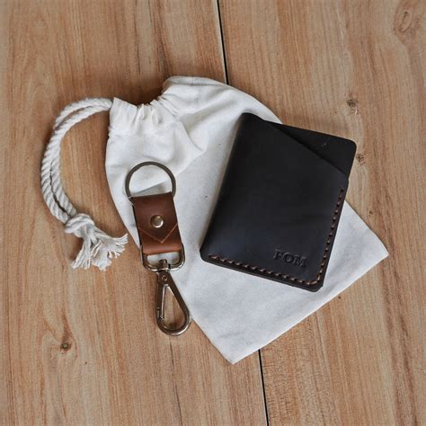 pom card holder  dog hook key chain set astrid leather
