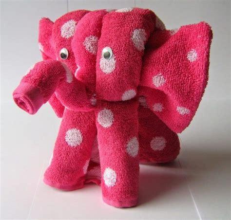 handtuch falten geschenk die besten 25 handt 252 cher falten b 228 r ideen auf handt 252 cher falten elefant handt 252 cher