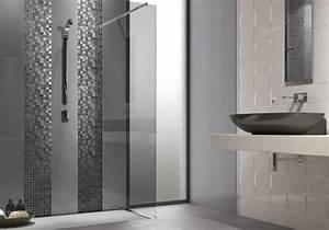 carrelage mosaique dans la salle de bains 30 idees modernes With mosaique grise salle de bain
