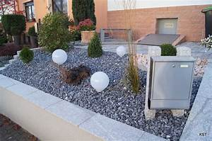 beautiful idee deco jardin gravier contemporary awesome With decoration jardin zen exterieur 12 jardin mediterraneen mediterraneen jardin grenoble