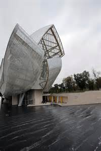 frank gehry opens paris louis vuitton foundation daily