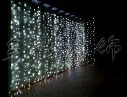 exles of decor using string lights indoor