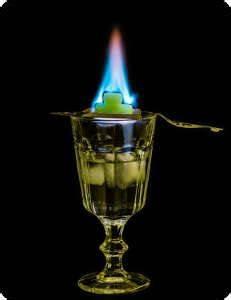 Globus Bar Günstig : absinth trinken der gr nen fee auf der spur globus ~ Indierocktalk.com Haus und Dekorationen