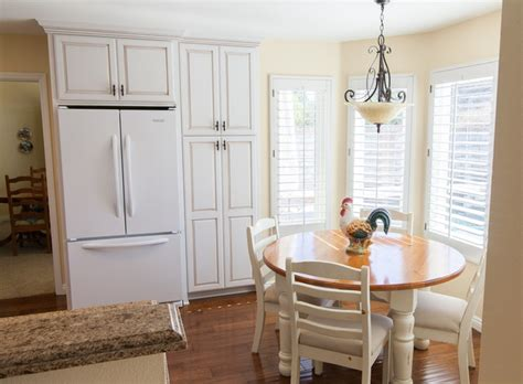 images of country kitchens dynasty lynnville maple opaque white 4626
