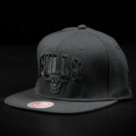 snapback beanie chicago bulls black on black snapback wehustle