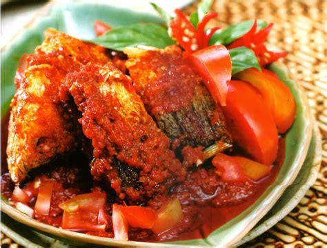 Seperti halnya dengan resep ikan bandeng yang spesial rasa dagingnya cenderung manis dengan serat lembut. Resep Memasak Bandeng Bumbu Tomat | Resep Masakan
