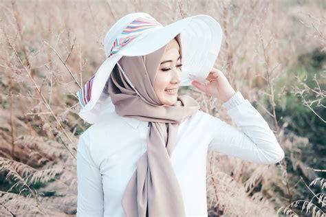 hijab fashion tips keren foto outdoor  tema summer