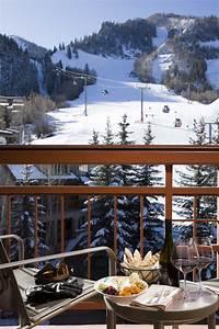 Top luxury ski resorts in europe and north america for Winter honeymoon in europe