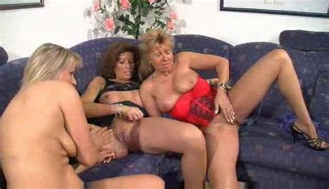 Lesbian Threesome With Mature Women Threesome Porn
